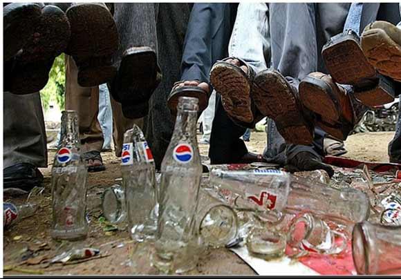 هندی ها پپسی و کوکاکولا را تحریم کردند