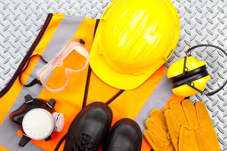 چگونه میتوان تجهیزات ایمنی مناسب برای محل کار انتخاب کرد